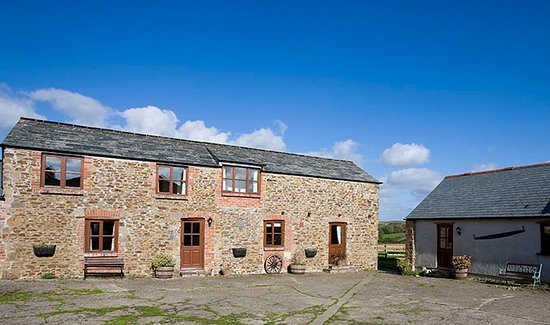 Budds Barn Holiday Cottages Bude