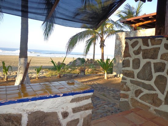 Hotel Roberto's Bistro: View from the veranda of the casita
