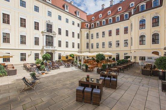 Hotel Taschenbergpalais Kempinski: Innenhof