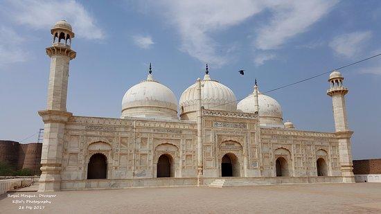 Bahawalpur, Pakistan: Abbasi Mosque, Derawar