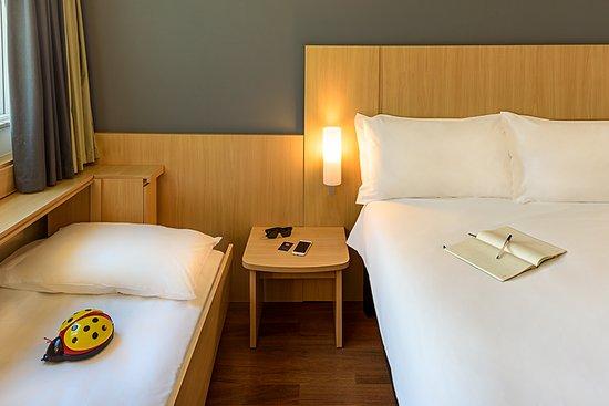 Ibis Rio de Janeiro Santos Dumont: UH DSC. Cama casal + cama adicional para criança de até 12 anos.