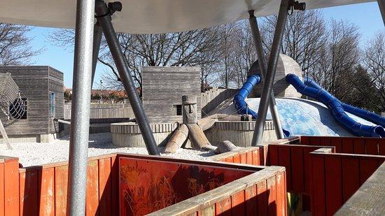 Woluwe-Saint-Lambert, Bélgica: Plaine de jeux pour les enfants de 3 à 12 ans