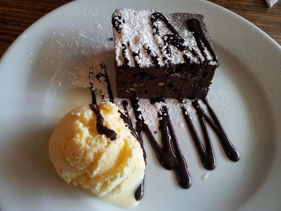 The Hunters Inn: Chocolate brownie