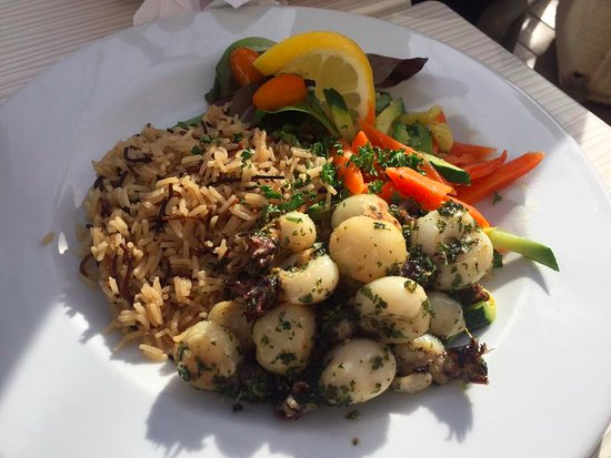 La Grillade : Small calamari dish with veges and wild rice
