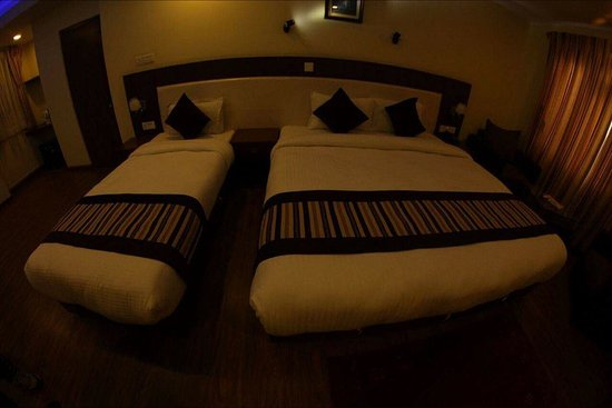 "Backyard Hotel: image-0-02-08-a376cc2e49ec11f9d44dc1c3b47213da4940536ddc24ea8aa5fb797101490c13-V_large.jpg"""