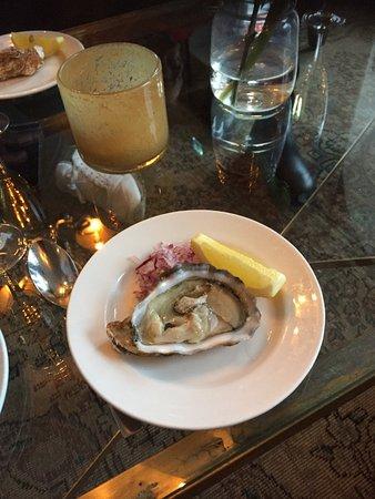 Varberg, Sweden: Start på fredagslyx med champagne och ostron