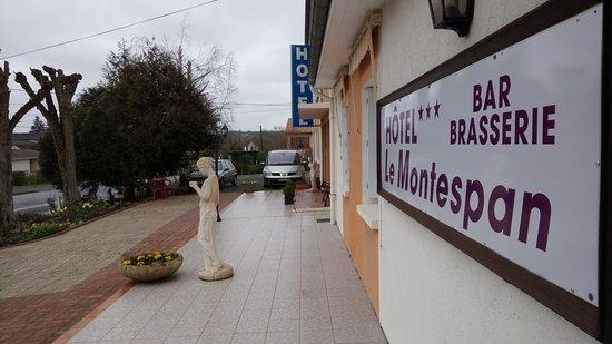 Lussac les Chateaux, Prancis: Ouverture bar et brasserie