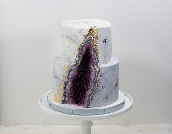 Incredible A Custom Geode Cake Done For A Birthday Custom Cakes Require Pre Funny Birthday Cards Online Elaedamsfinfo
