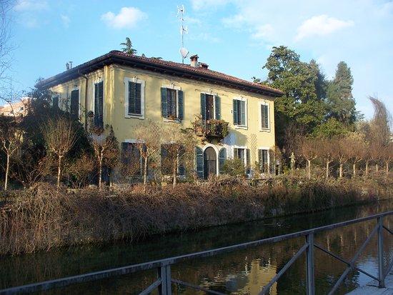Villa De Ponti
