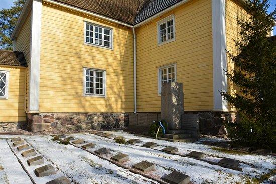 Raseborg Municipality, Finland: Snappertunan kirkko Памятник солдатам