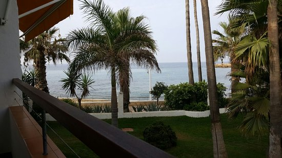 Apartamentos Playa Torrecilla: View from balcony