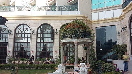 Hotel The Royal Plaza: 20170214_092416_large.jpg