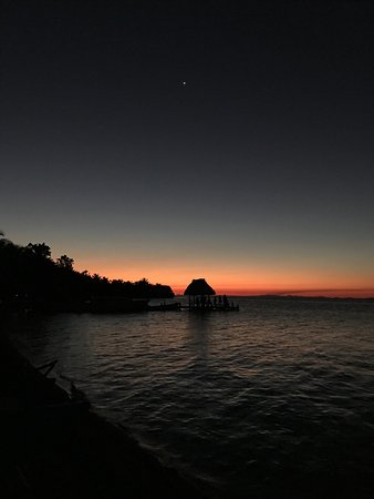 Off The Wall Dive Center & Resort: Amazing stargazing, sunsets and sunrises at Off The Wall