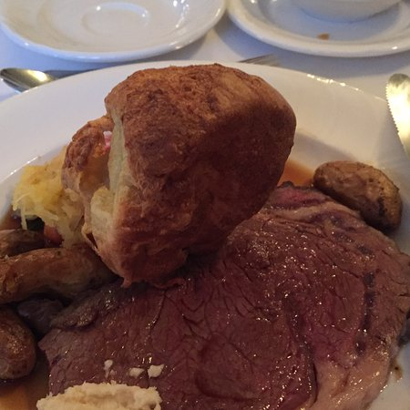 Ingersoll, Canada: Prime rib stale Yorkshire pudding