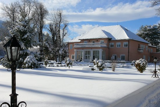 Hotel Svatojansky Kastiel: Zimný pohľad na hotel