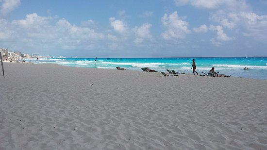 Bsea Cancun Plaza: LOTS of beach space. Water is too strong to safely swim.