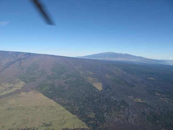 Paradise Helicopters - KONA: Old lava flows from Manua Loa and Volcano National Park