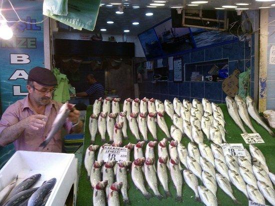 Galata Palace Hotel : Fish market