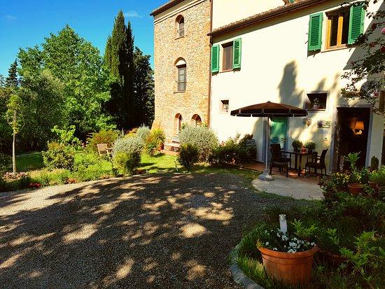 Peccioli, إيطاليا: Ingresso reception e ristorante