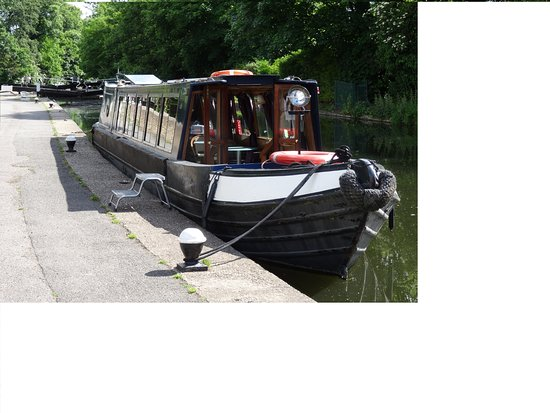 Uxbridge, UK: Arthur moored above Cowley Lock