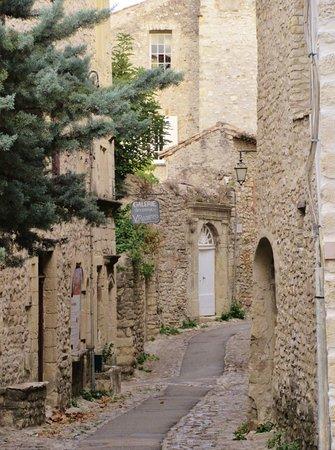 L'Evêché: Rue de l'Eveche, Vaison-la-Romaine