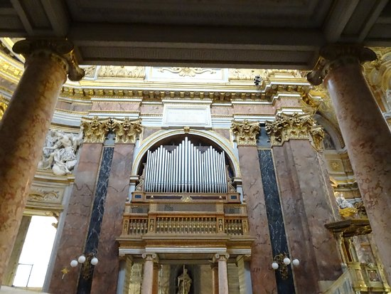 Basilica dei SS. Ambrogio e Carlo : Organo
