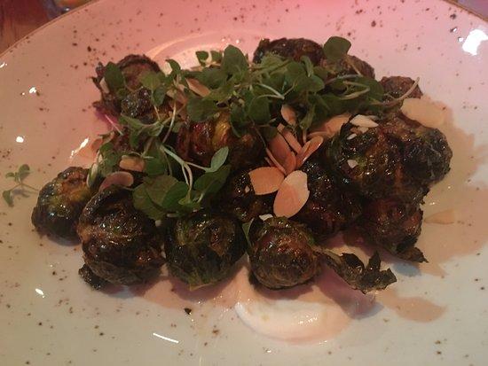 วูดเบอรี, นิวยอร์ก: Food was pretty good and they cooked the steak as we wanted.  Other places always over cook the