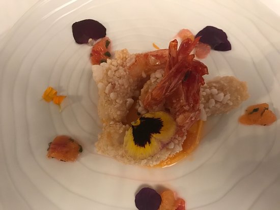 Haute-Garonne, Francia: 1/ Amuse bouche 2/3 crevettes soufflées -velouté de panais 4/5 merlu - merlan 6/7 tarte tatin -