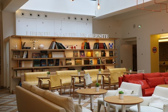 sala de estar picture of hotel 34b astotel paris tripadvisor. Black Bedroom Furniture Sets. Home Design Ideas