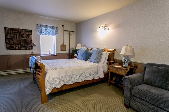 โฮมสเต็ด, ไอโอวา: The Glimpse of Amana room.