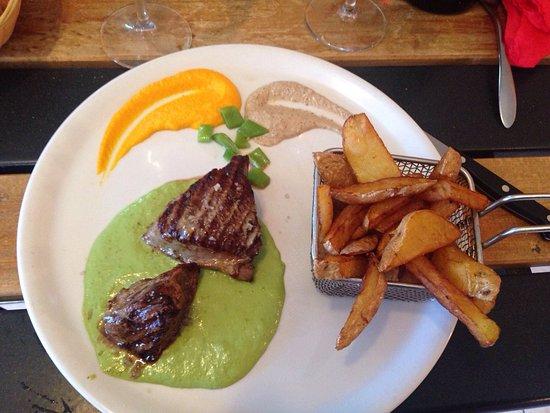 Lignan-sur-Orb, France: Noix de veau sauce asperge frite maison
