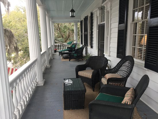 The Rhett House Inn: 2nd Floor Balcony
