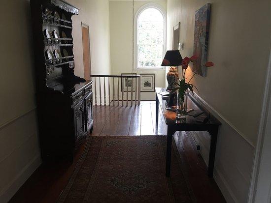 The Rhett House Inn: 2nd Floor Hallway