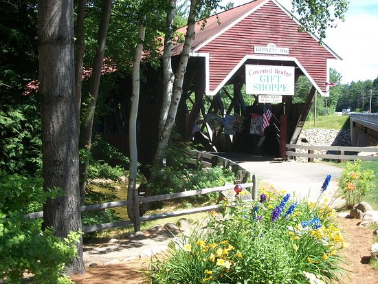 Glen, NH: Covered Bridge Gift Shoppe