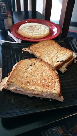 Cafe Moxo: The Medley grilled cheese with soft Snickerdoodle cookie