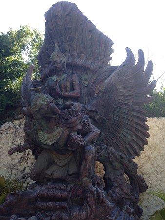 Garuda Wisnu Kencana Cultural Park: photo0.jpg