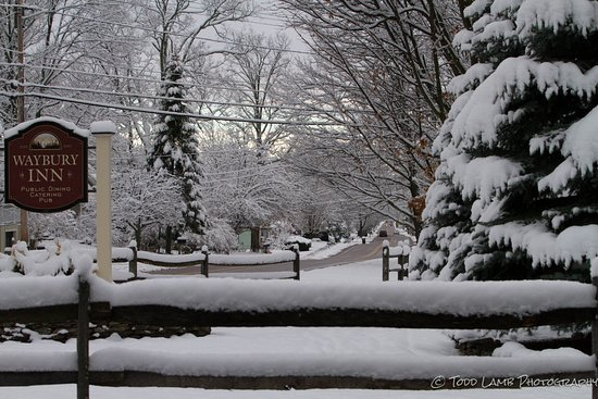 Waybury Inn: Todd Lamb Photography- Looking down the snow covered street