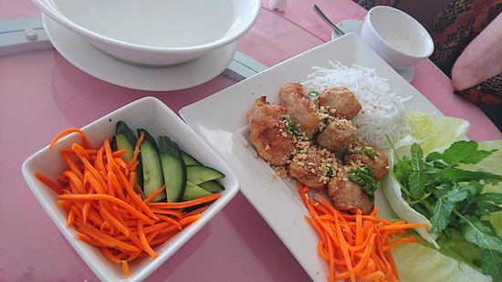 O'Halloran Hill, Australia: make your own rolls platter- pork