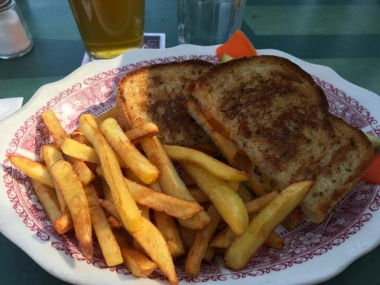 San Geronimo, Californië: Sandwich and fries