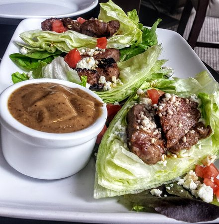 Ruth's Chris Steak House: Black and Blue lettuce wraps with steak tips