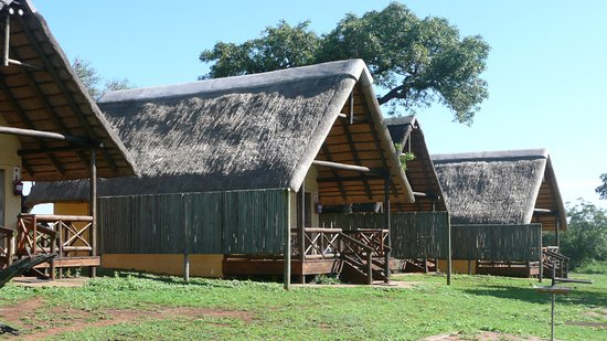 Hluhluwe Game Reserve, África do Sul: Chalets im Mpila Camp