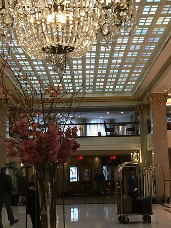 The Mayflower Hotel, Autograph Collection : lobby