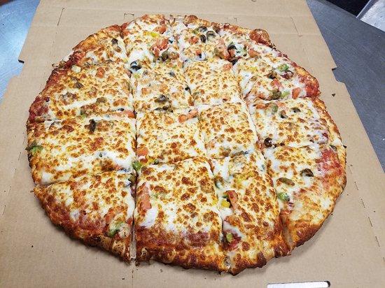 "Oak Harbor, OH: We have 18"" pizzas"