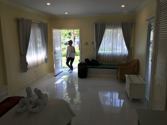 Amarin Resort : Entry