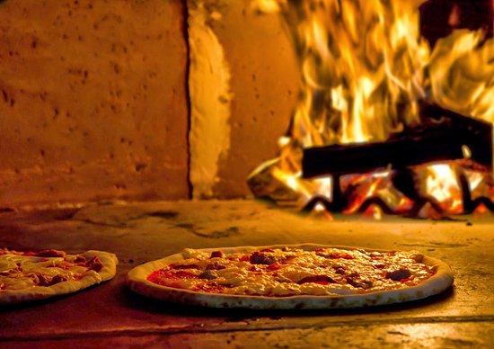 Buninyong, Australie : wood fired pizza.