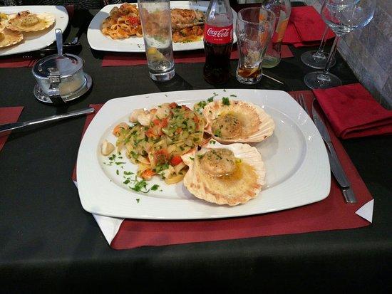 Groot-Bijgaarden, Belgien: Linguini aux coquilles-st-jaques un régal.