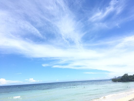 Enrique Villanueva, Philippines: Beautiful beach! We should have stayed here than in san juan. Really must try if you want bathin