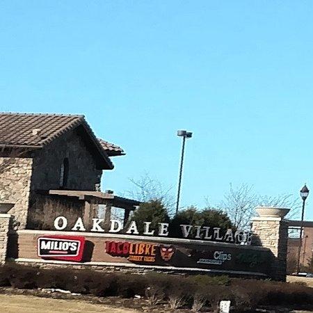 Oakdale, MN: Street sign - March 2017