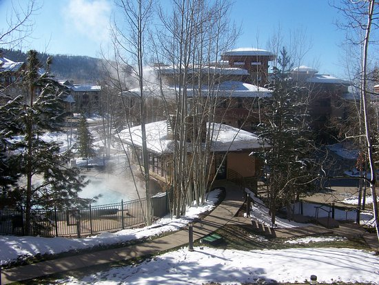 Canyon Creek Condominiums: View of the pool and hot tub.