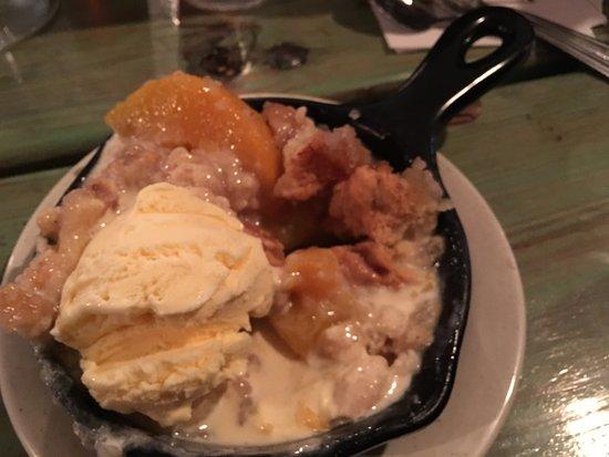 Bellflower, CA: Peach-cobbler